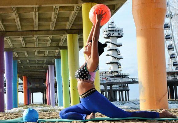 Pilates op het strand